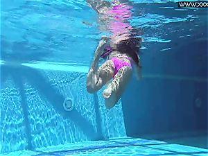 super-steamy Russian Jessica Lincoln in the pool