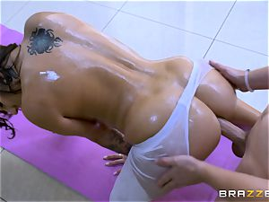 bap racked Lylith Lavey gets lubricated up and banged in the ass