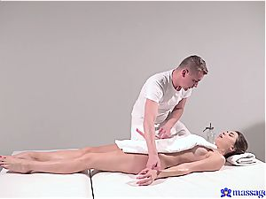 hot massage turns to voluptuous hookup and this dark-haired goddess luvs it