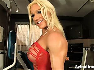 fitness model flashes and caresses her vulva for you
