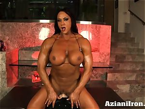 thick fit Amber rides the sybian